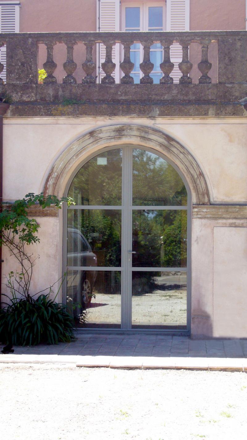 Porte acier cintrée deux vantaux