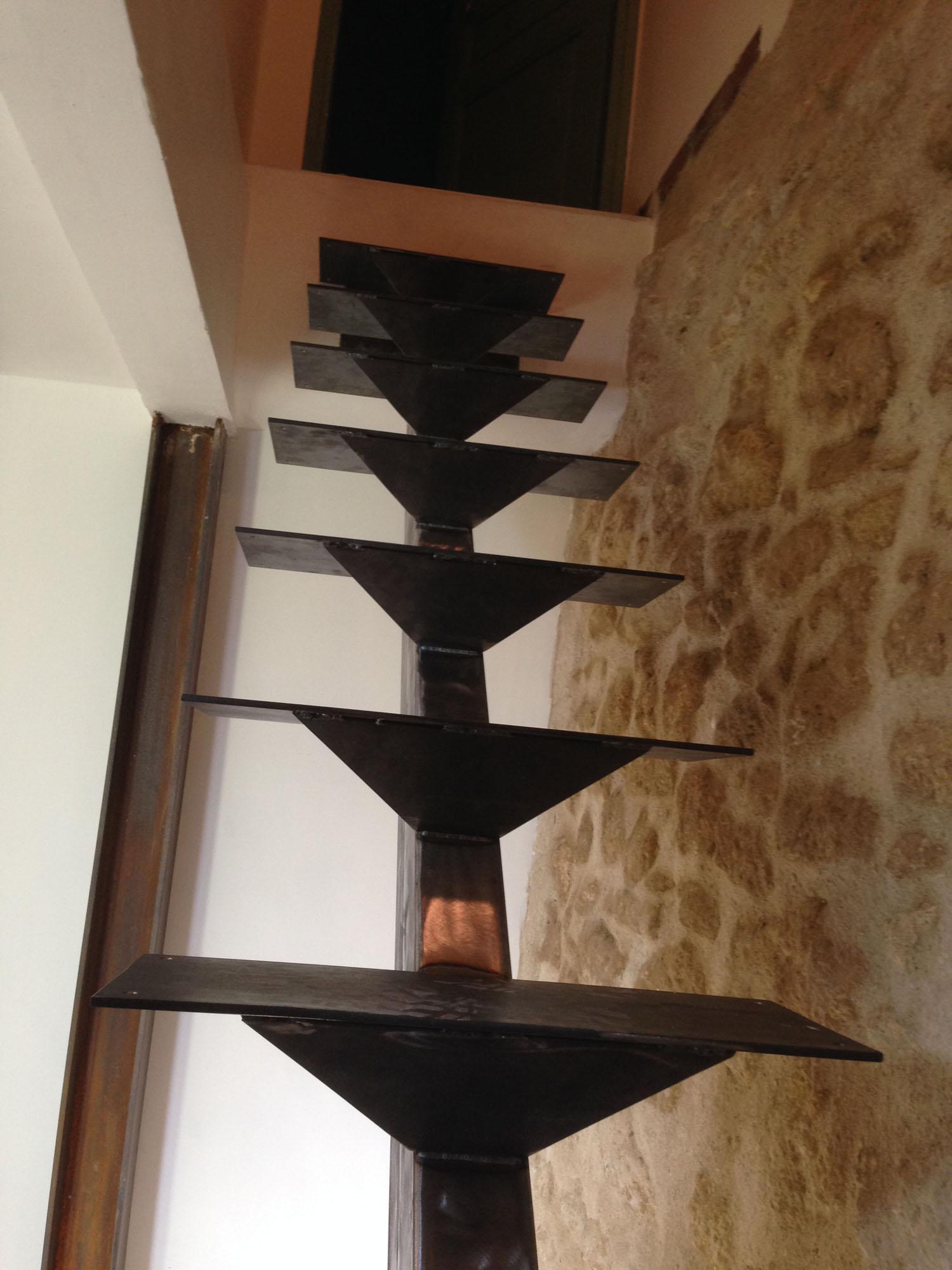 Ecalier structure méltallique