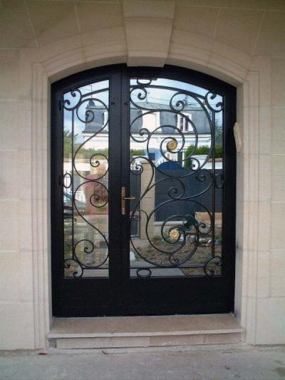 Porte d'entrée metallique
