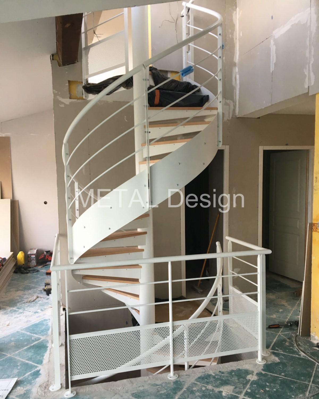 Escalier hélicoïdal intérieur pour 2 étages