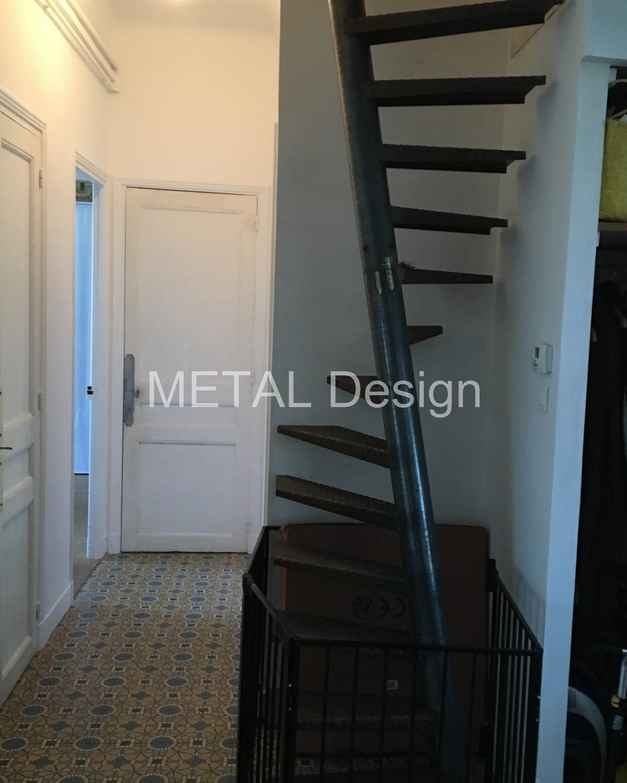 Hélicoïdal étroit 80x80cm marches métal