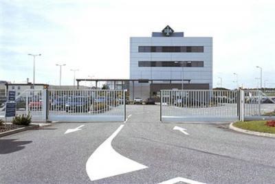 Portail de grande taille à destination d'un usage industriel proche de Marseille