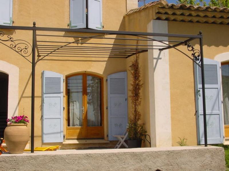 Pergola tonnelle marseille 13 port de bouc miramas for Garage salon de provence